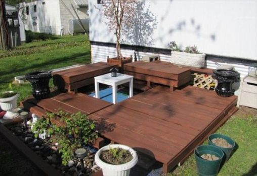 179995-Pallet-Patio-Deck